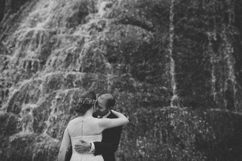 David Asensio fotografia de boda natural en el monasterio de piedra