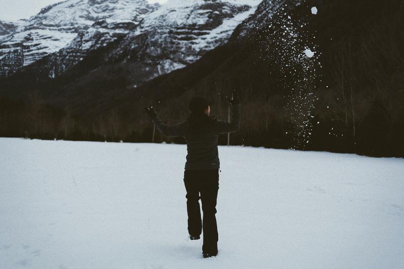 jugar en la nieve