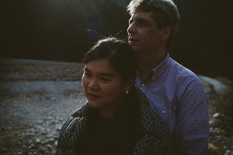 Preboda en la montaña. Yan y Jesús muestran su amor en las montañas de los Pirineos, un sitio ideal para una preboda, para sentirse a gusto en la naturaleza, para sentir, para quererse.