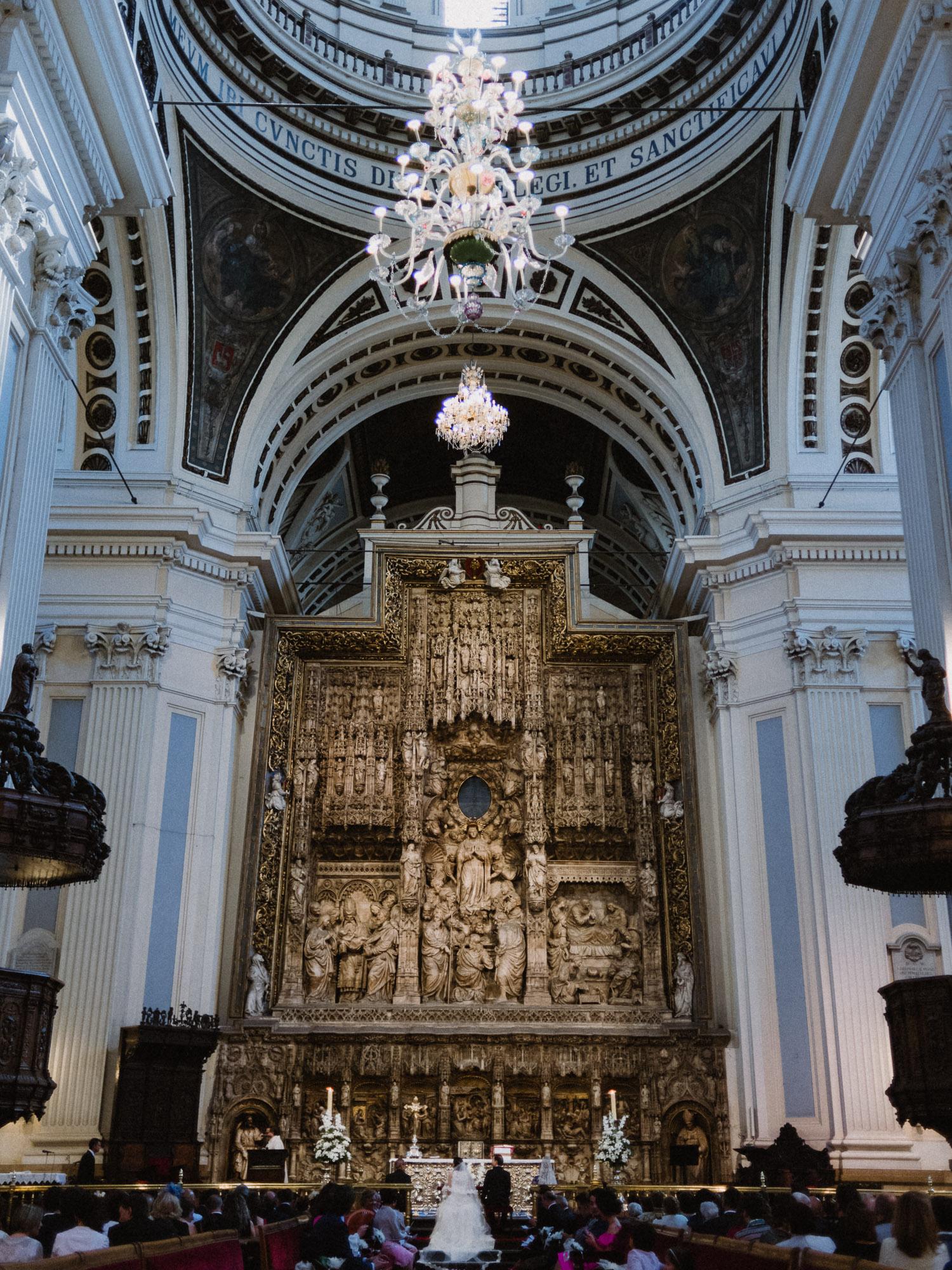 Boda en altar mayor El Pilar
